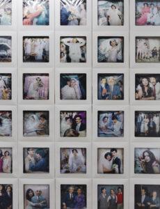 Reza und Linda Nadji, MEMORY. II, Fotoinstallation 2021, Digitaldruck auf Satin, Tortenschachteln, Aluminiumblech_3